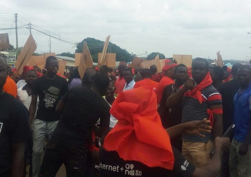 Anti government  demonstrators issue another two weeks ultimatum