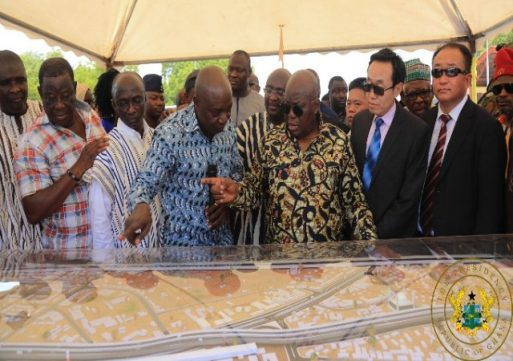 President cuts sod for the construction of 1 kilometer Tamale inter change